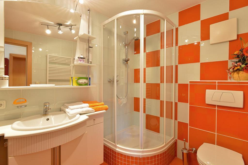 ผลการค้นหารูปภาพสำหรับ ห้องน้ำสีส้ม