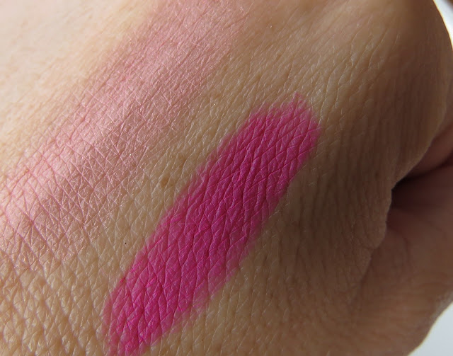 saveonbeauty_nyx_full_throttle_rúž_na_pery_lethal_kiss_swatch
