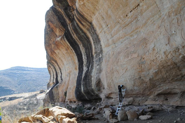 New research reveals earliest directly dated rock paintings from southern Africa