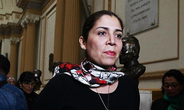 Ursula Letona renuncia a Fuerza Popular