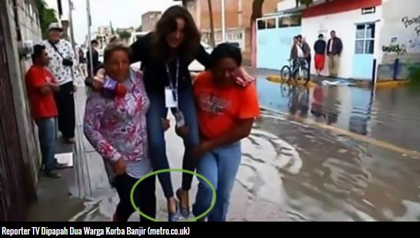 Takut Sepatu Mahalnya Basah, Reporter TV Ini Dipecat