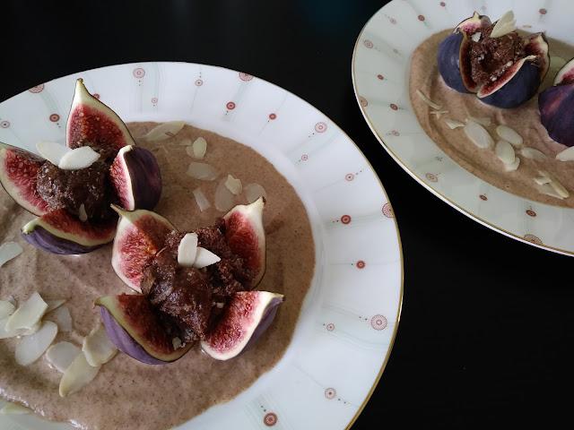 Kuchnia hiszpańska – figi z nadzieniem czekoladowo-migdałowym