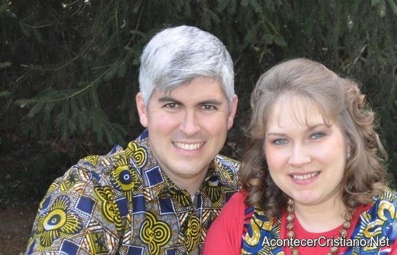Misionero Charles Wesco y su esposa