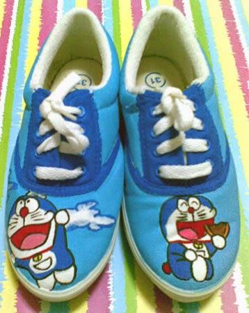 Sepatu Lukis Murah Bandung: Sepatu Lukis Doraemon