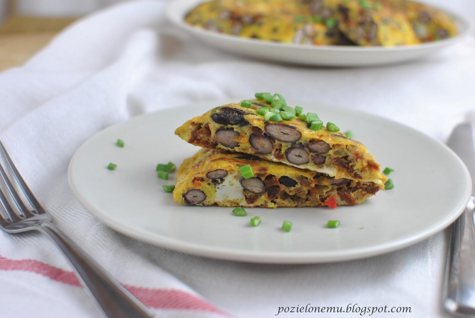 omlet z czerwoną fasolą