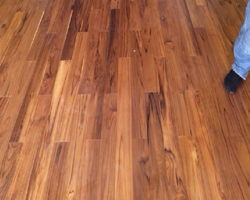 sàn gỗ tự nhiên dán mặt giá rẻ 1