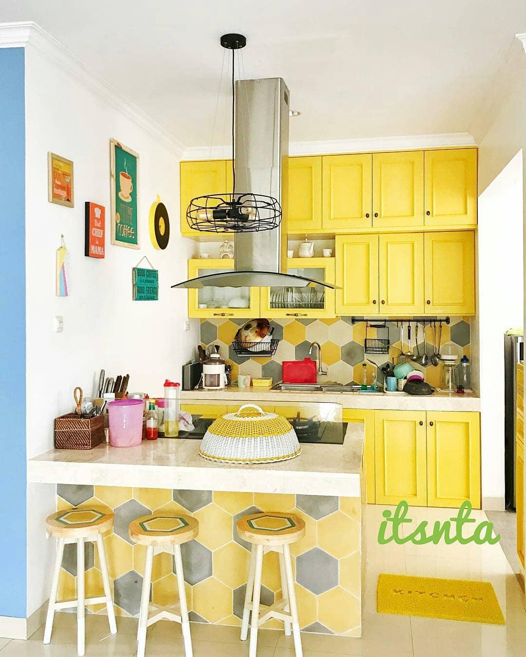 Desain Dapur Minimalis Warna Kuning Arsihome
