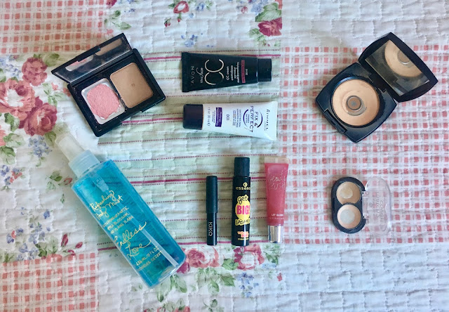 letmecrossover_blogger_blog_michele_mattos_beauty_makeup_project_pan_use_it_up_pan_that_palette_review_resolutions_new_year_cruelty_free_animal_testing_kiko_victorias_secret_body_mist_endless_love_lipgloss_elf_contouring_duo_st_lucia_avon_products_cc_cream_essence_mascara_black_bronzer_blush_concealer_match_rimmel_primer_long_lasting_foundation_face_of_the_day_fotd