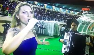 Talento de Nova Palmeira canta hino nacional em jogo do Flamengo válido pela Copa do Brasil
