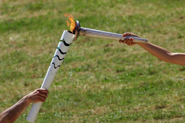 Folle di corsa Rio Olimpiadi tedoforo