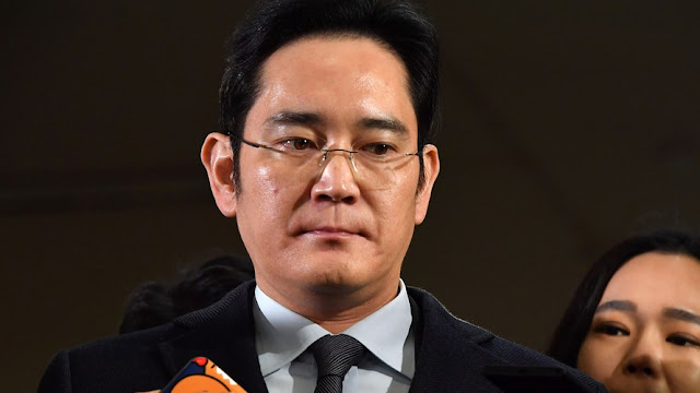 Herdeiro da Samsung é preso em investigação sobre corrupção na Coreia do Sul