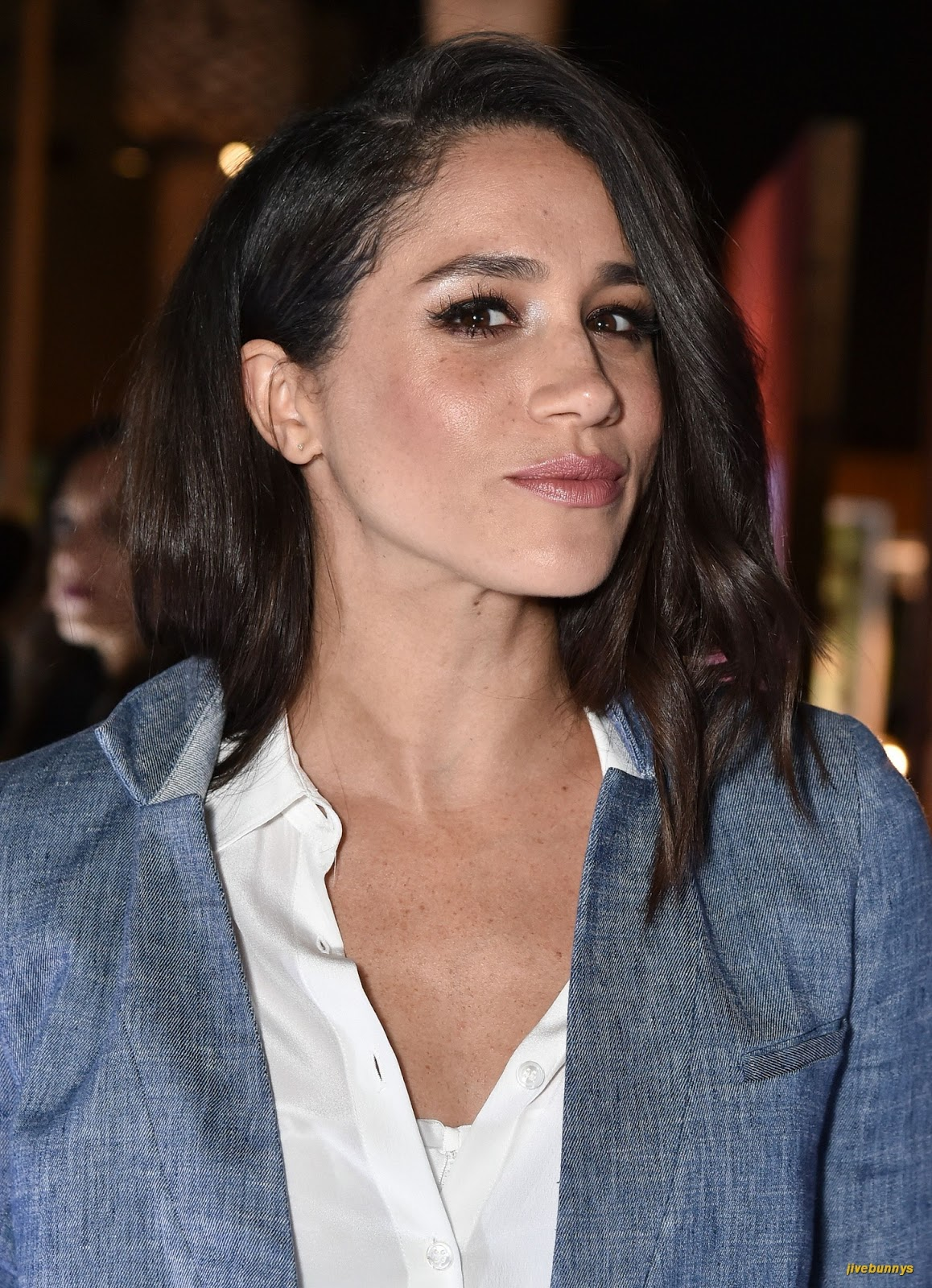 markle single muslim girls Prince harry's wife-to-be meghan markle has an  meghan markle spreads her wings in ways reminiscent of diana  one worker at al-manaar muslim cultural.