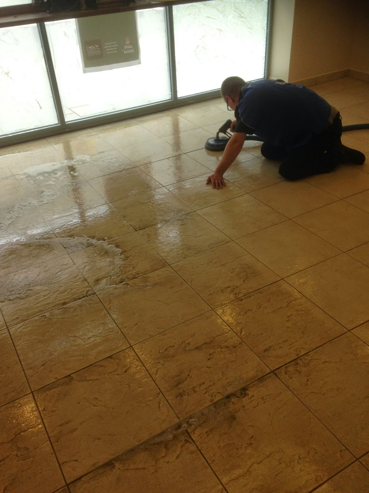 Commercial Ceramic And Porcelain Tile Cleaning In