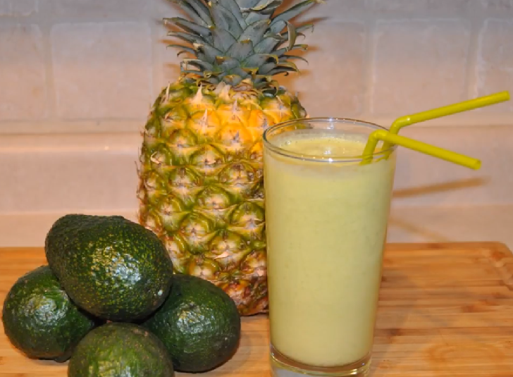 PINEAPPLE AVOCADO DETOX