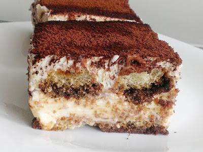 Kremowy deser z biszkoptami bez pieczenia