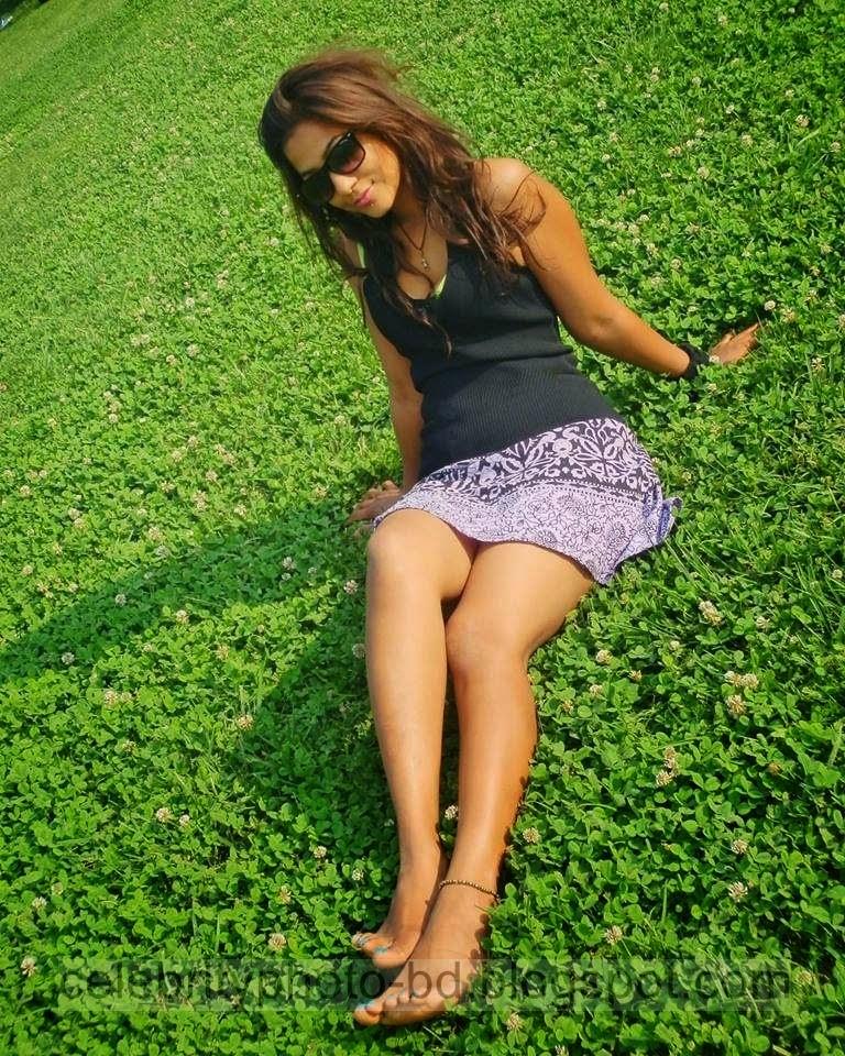 Exclusive Hot Unseen Lankan Girls Latest Photos Gallery