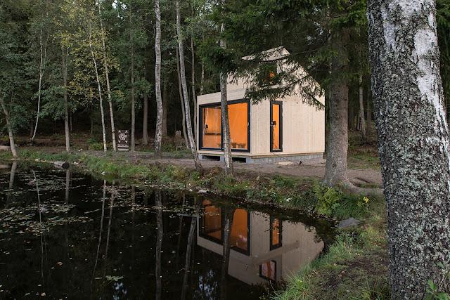 Woody 15 cabin