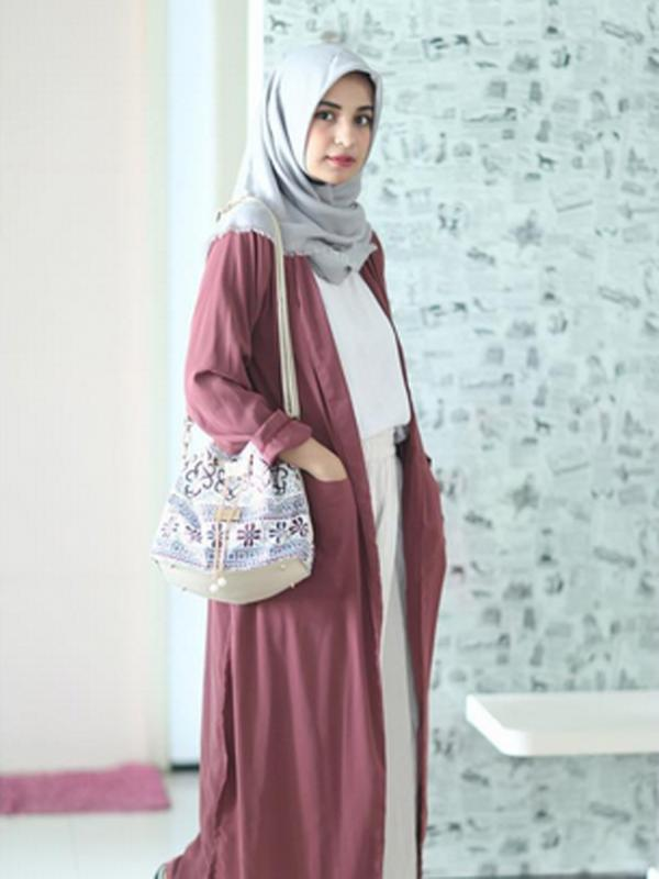Long Cardigan Hijab Yang Bikin Style Makin Hits