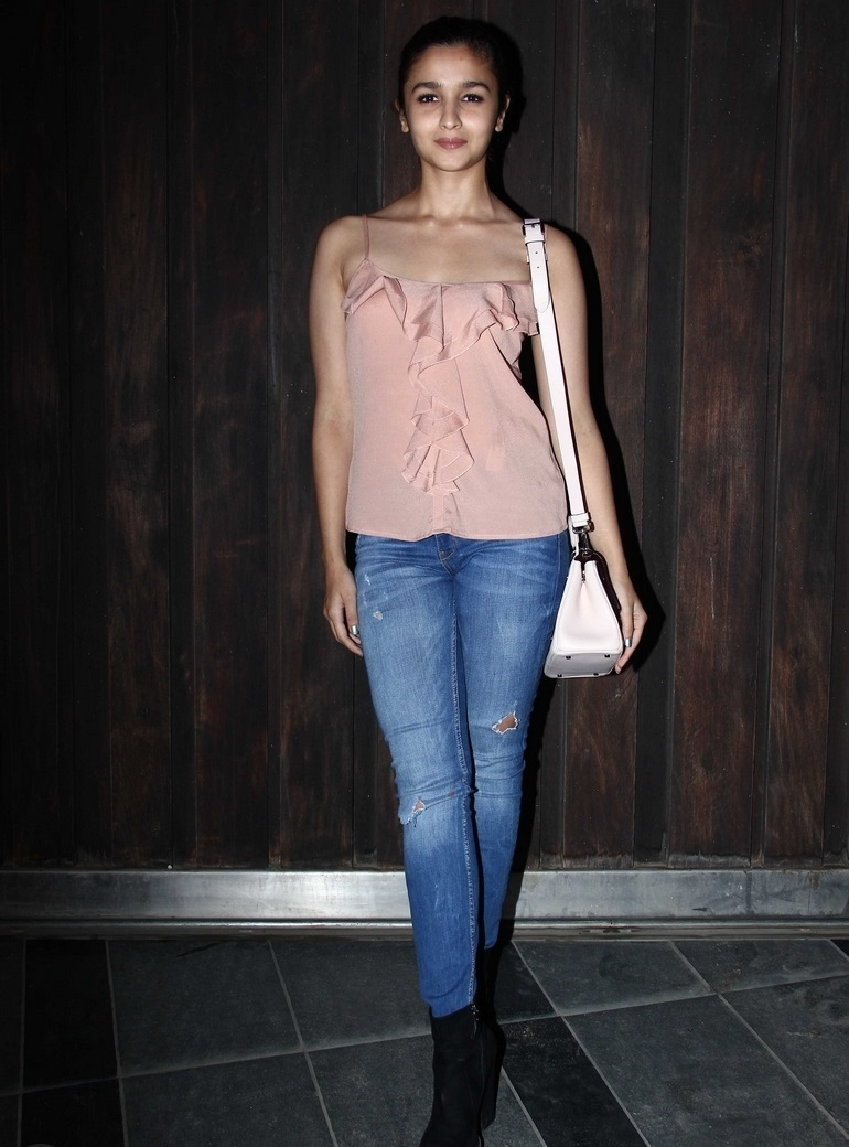 Bollywood Actress Alia Bhatt In Pink Top Blue Jeans
