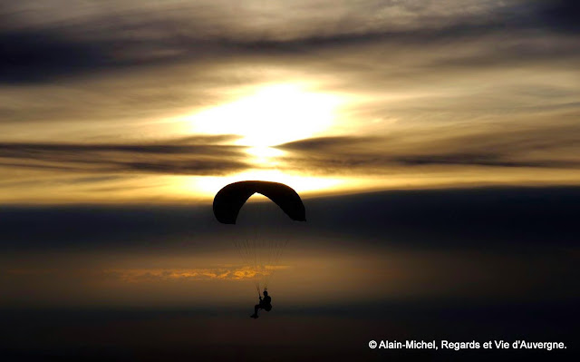 Vol libre au sommet du Puy de Dôme