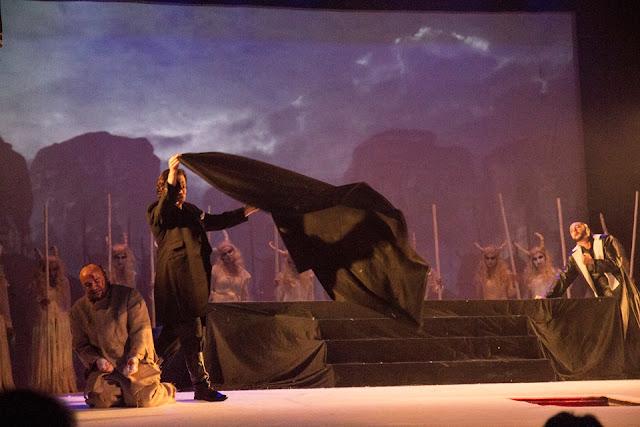 """""""Dionysos""""- un spectacol exceptional pus in scena la Constanta - Teatrul de stat Constanta"""