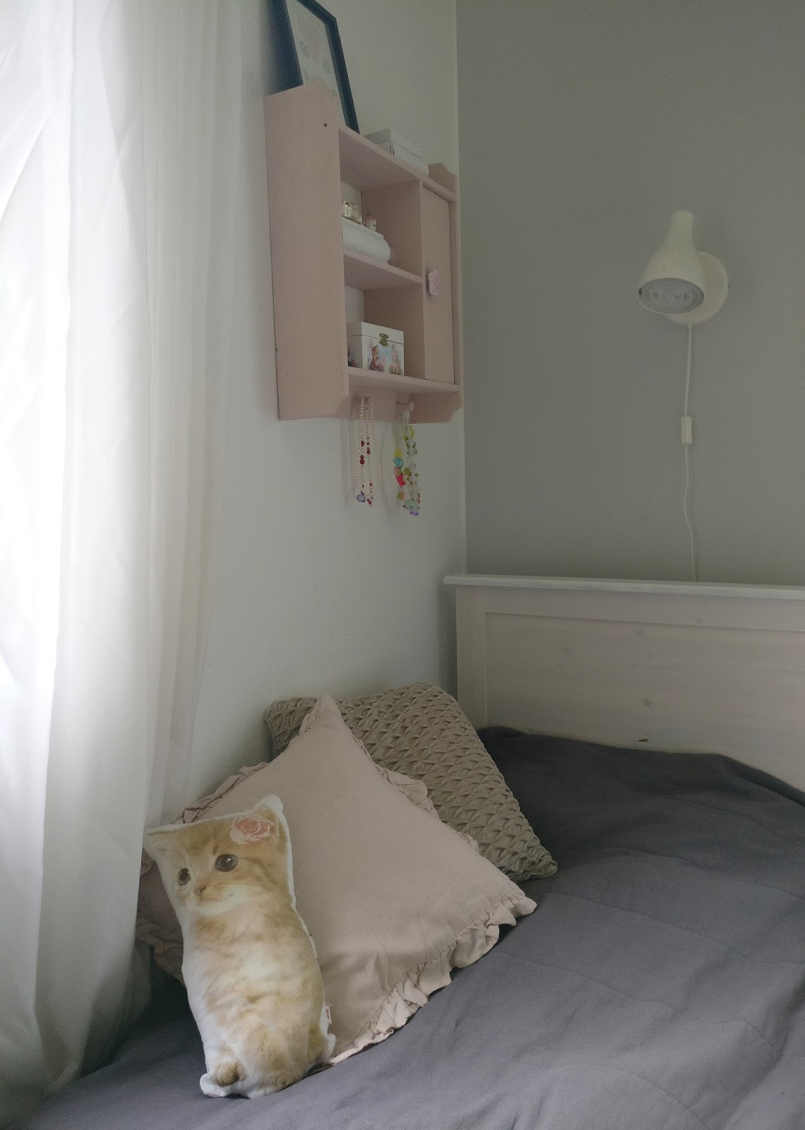 Nude värit tyttöjen huone-4638