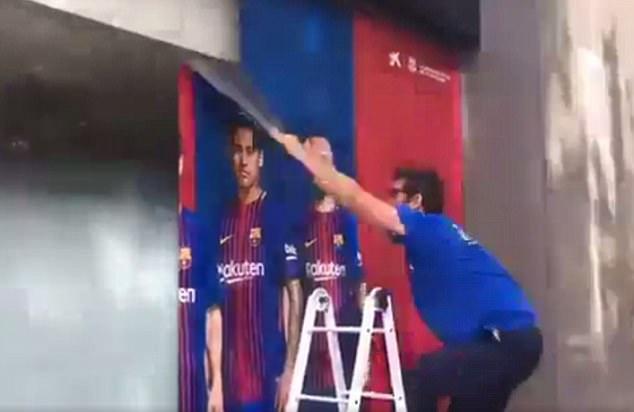 Barca xóa sạch sẽ các hình ảnh liên quan tới Neymar