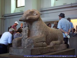 Estatua egipcia en el British Museum