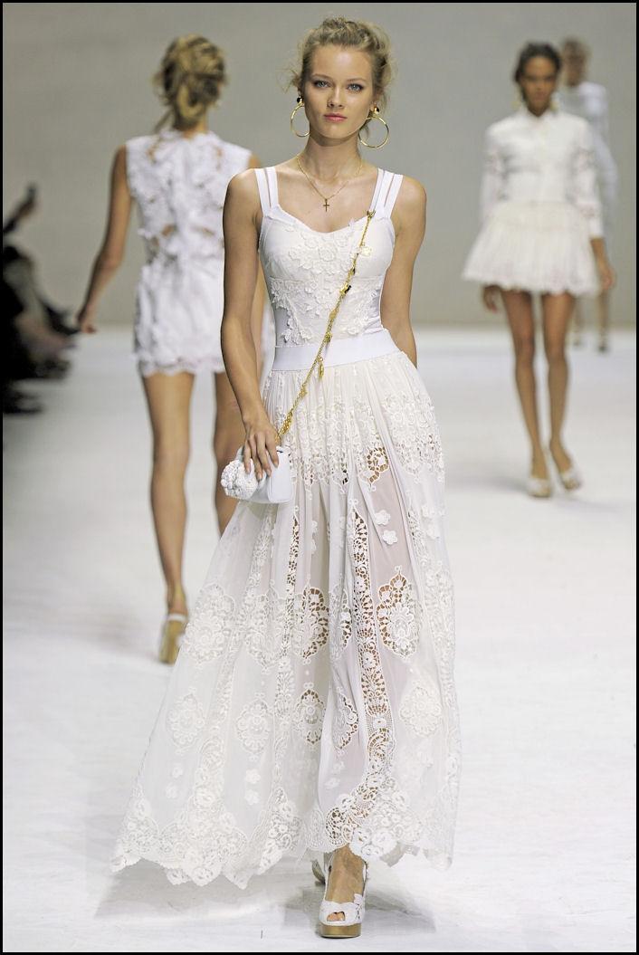 dolce e gabbana vestiti romantici bianchi