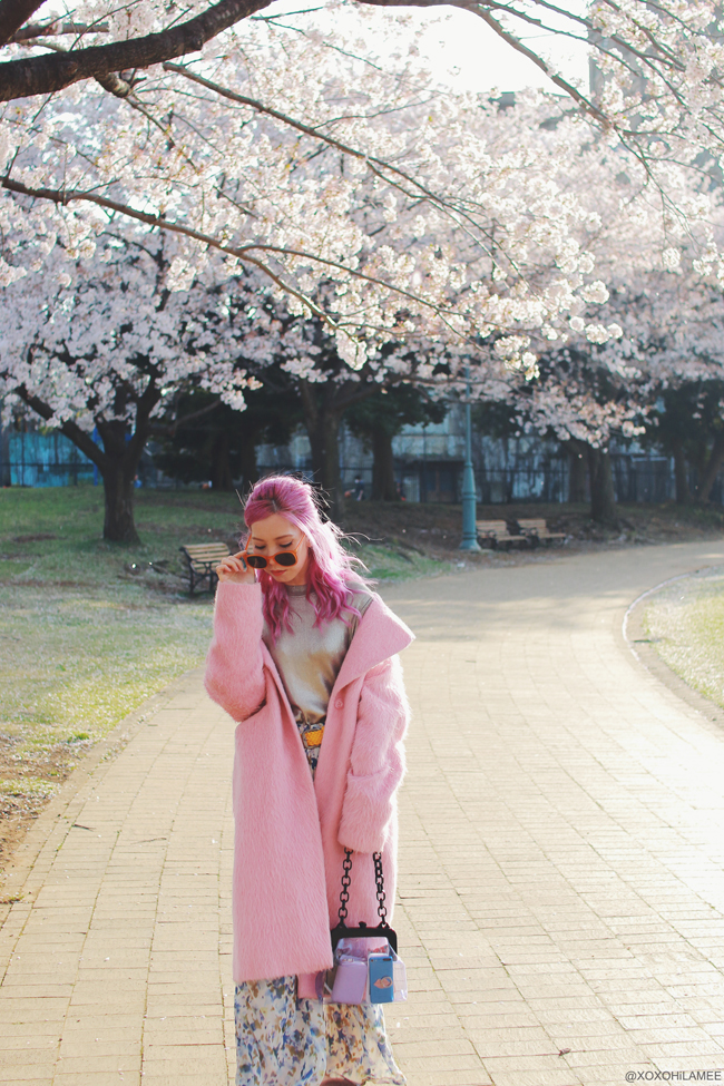 Japanese Fashion Blogger,MizuhoK,20180331OOTD,ZARA=silver top,Reasterisk=floral wide leg pants,ASOS=pink Cocoon coat,casselini=purple clear bag,Urban Outfitters=hair ribbon,Rakuten=faux fur sandals,?=yellow belt