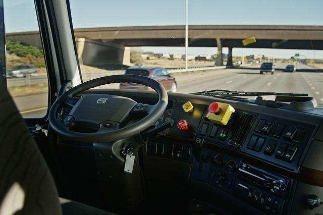 otto budweiser truck camião autónomo