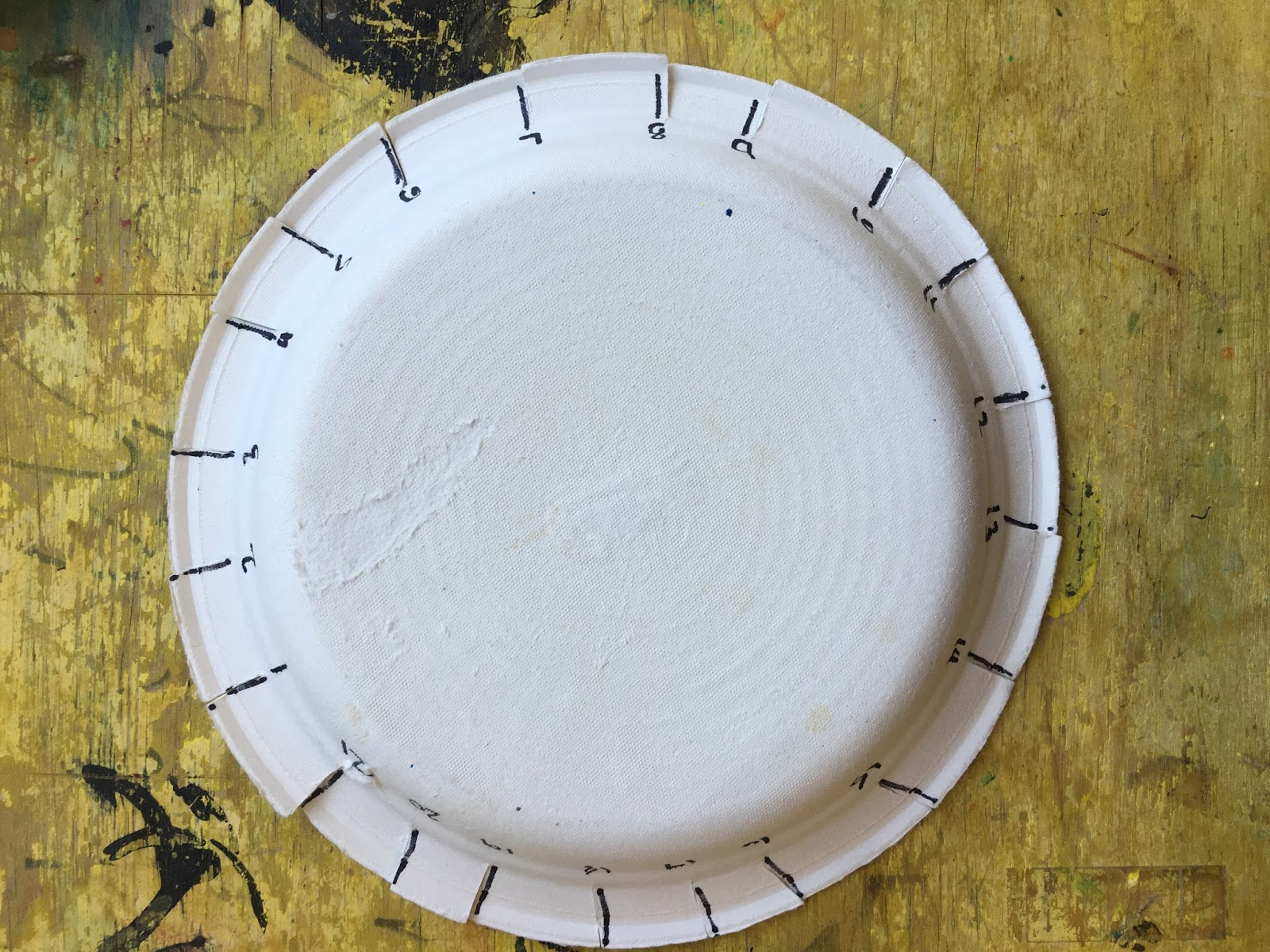 Make 21 marks on a paper plate (Chinet brand works really well!). Number the marks 1-21 and make a .5\u0027\u0027 cut on each mark. & Paper Plate Weaving-Make a Yarn Bowl!