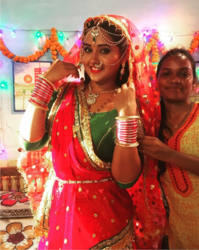 Kajal Raghwani ON Set of Dulhan Ganga Paar Ke Bhojpuri Film Shooting photo