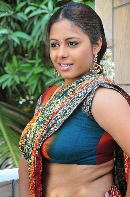 Actress roshni in scene from a mallu movie 7