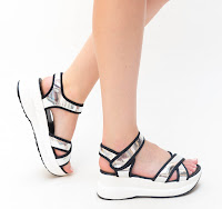 Sandale albe de vara cu talpa groasa la moda pentru vara