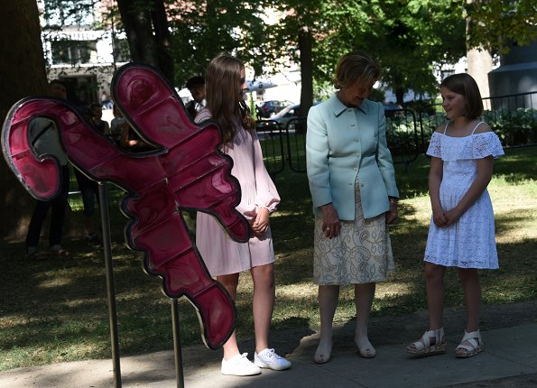 Queen Sonja attended the unveiling of sculptures in the Princess Ingrid Alexandra's Sculpture Park. Princess Ingrid Alexandra wore pink Maje dress