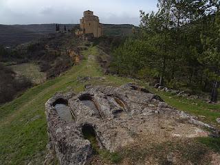 Iglesia de Santa María La Mayor y necrópolis