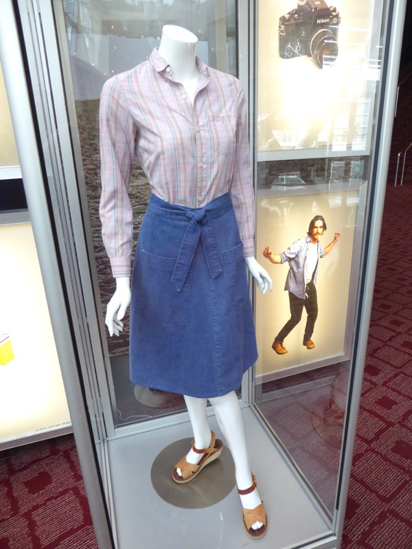 Elle Fanning 20th Century Women Julie film costume