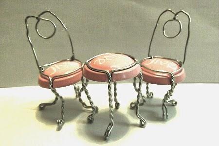 whiskering anleitung mini stuhl aus einem drahtgestell. Black Bedroom Furniture Sets. Home Design Ideas