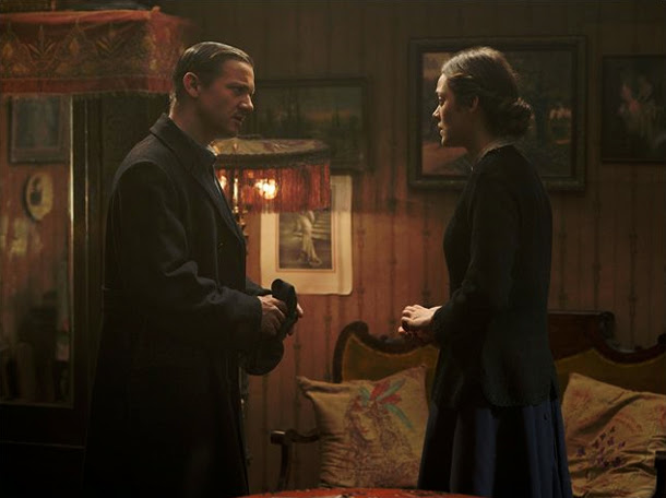 Jeremy Renner y Marion Cotillard en The Immigrant