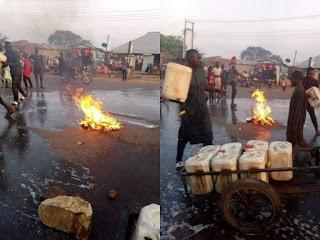 Kadunna Residents washing their roads