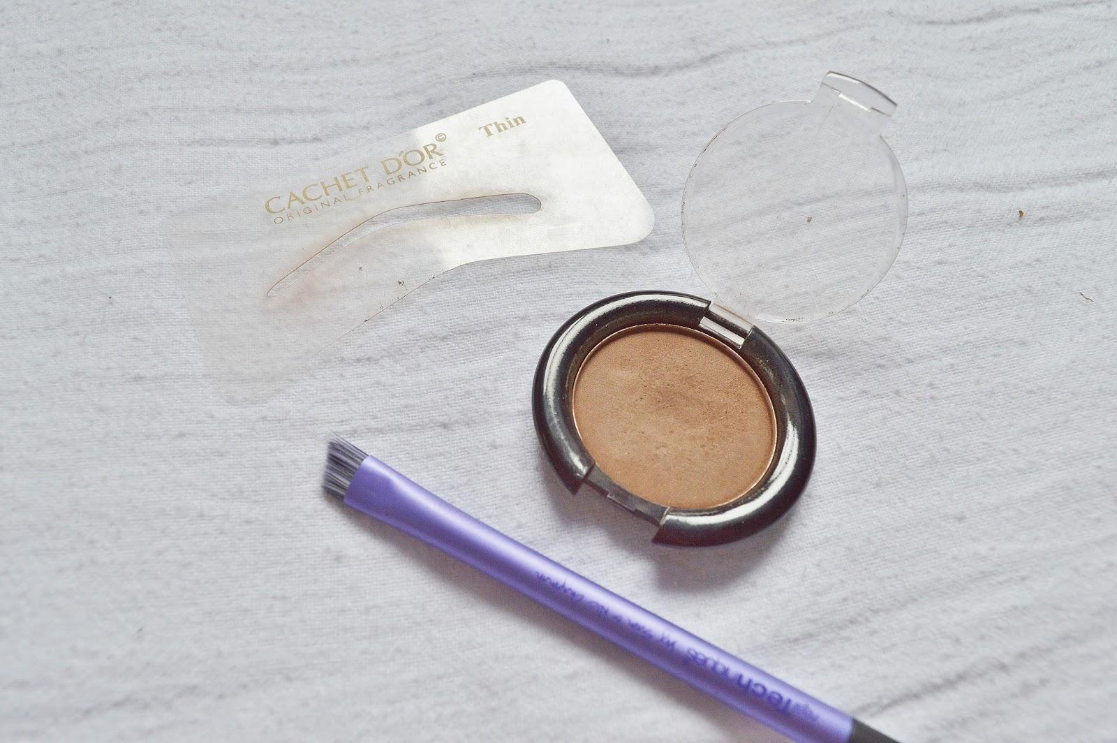 Cachet D'or Eyebrow Kit