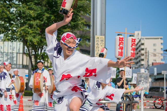 高円寺駅北口広場、江戸っ子連の舞台踊り 8