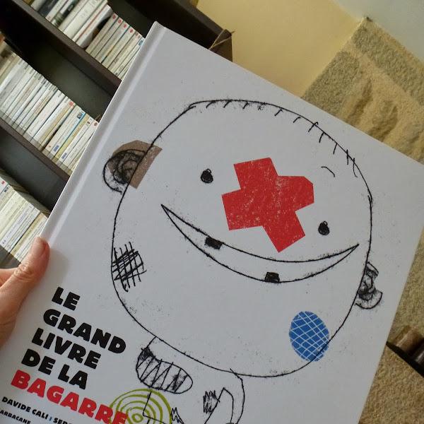 Un livre pour rire : Le grand livre de la bagarre de Serge Bloch