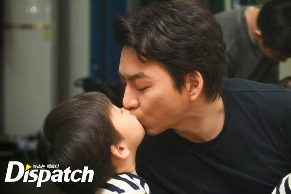 Behind The Scene Pemotretan Iklan : Daehan Minguk Manse dan Song Il Kook