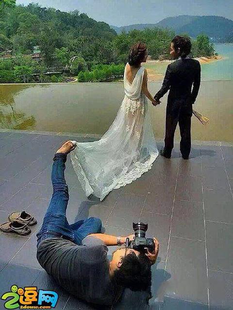 funny photographer taking photo