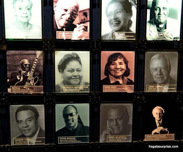 Detalhe da galeria dos agraciados com o Prêmio Liberdade, do Museu Nacional dos Direitos Civis