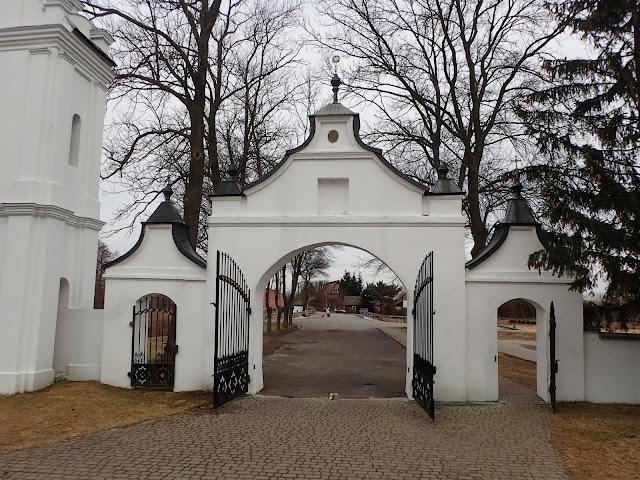 Świątynia kartuzów (Gidle) - wyjście