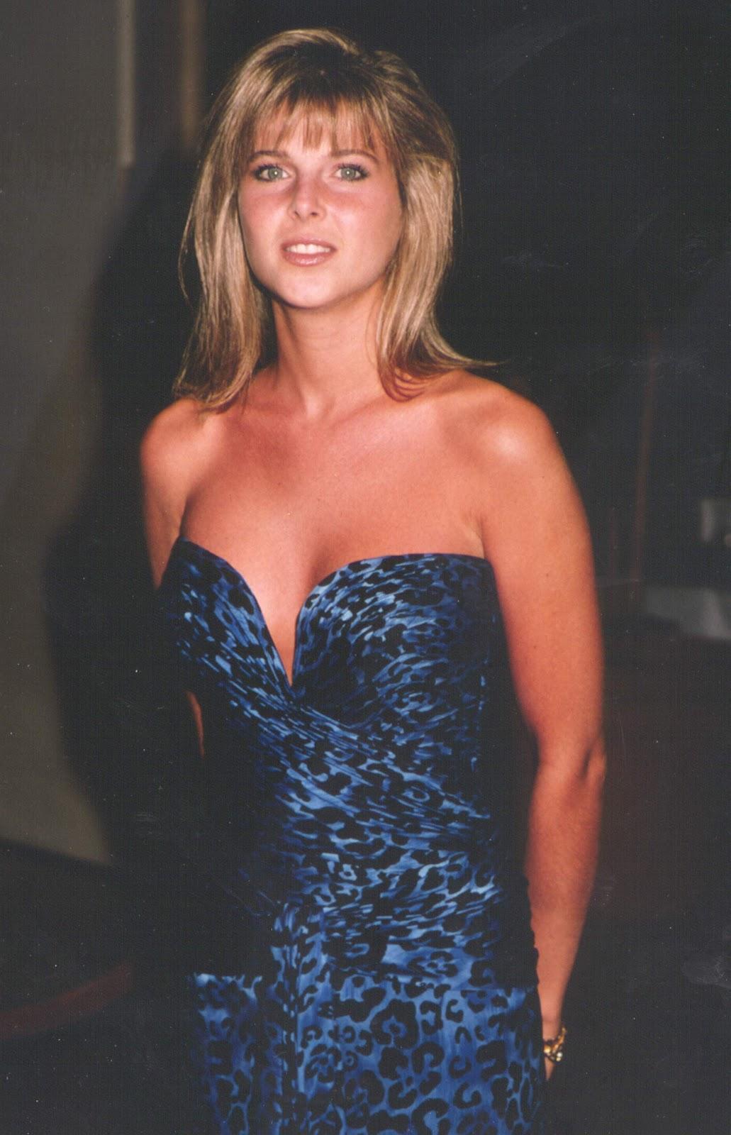 Galleria fotografica di giovani celebrità Catherine Oxenberg As Young-8102