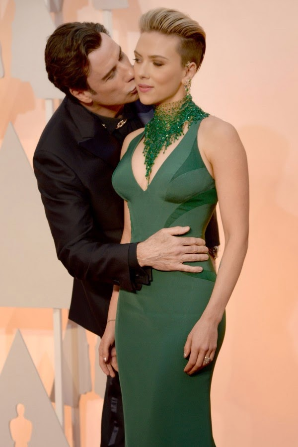 John Travolta And Scarlett Johansson Win The Award For Most Awkward Photo At The Oscars 2015